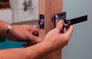 Замена и установка дверных ручек